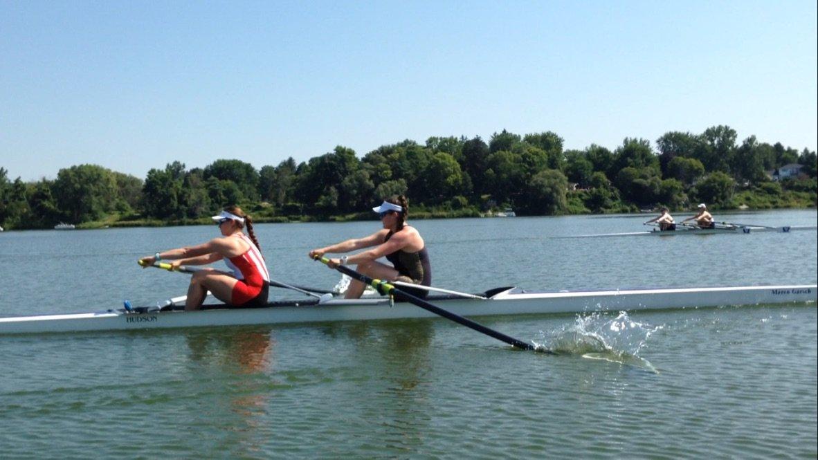 Lauren F rowing in pair